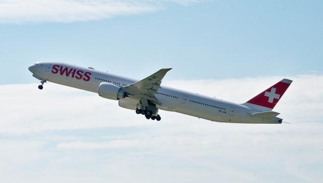 A Swiss Boeing 777-300 in flight